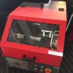 Cortadora metalográfica de bancada